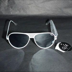 QUAY AUSTRALIA QUAYXKYLIE Iconic Sunglasses White